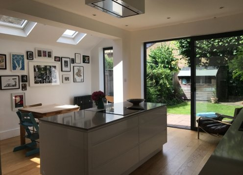 Spacious and confortable family home in London sleeps 8